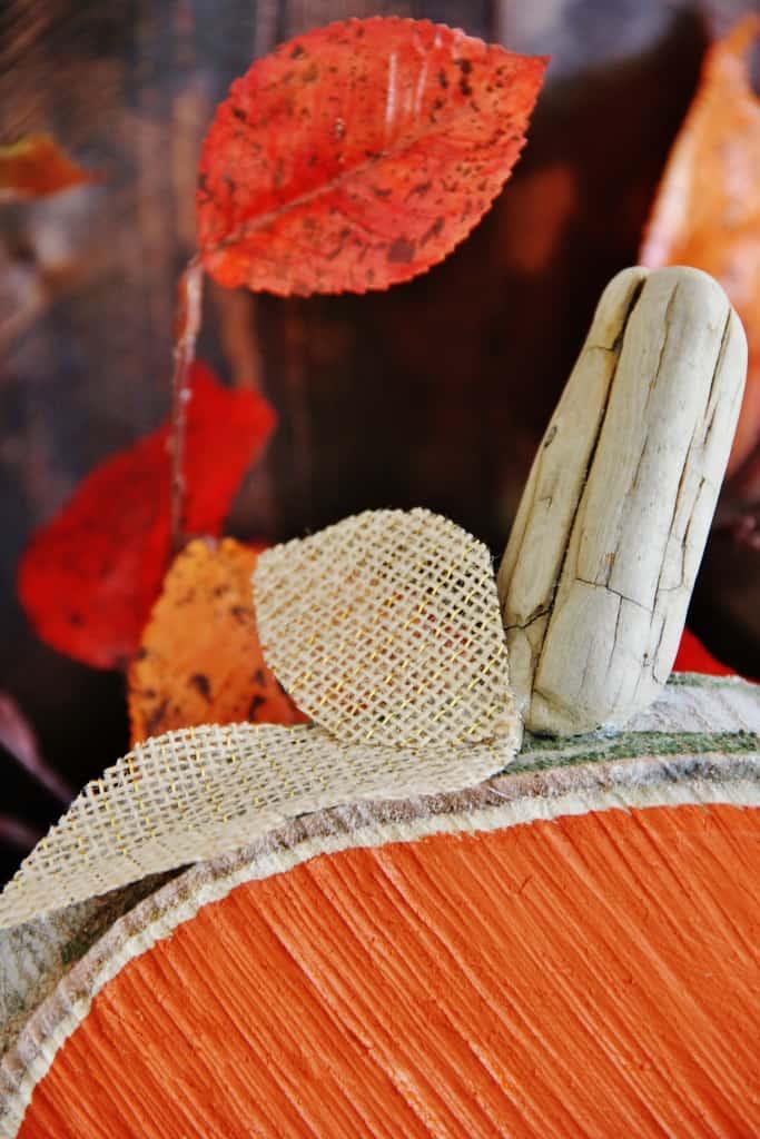 DIH Rustic Pumpkin Stand Wood Slice Pumpkin Stem