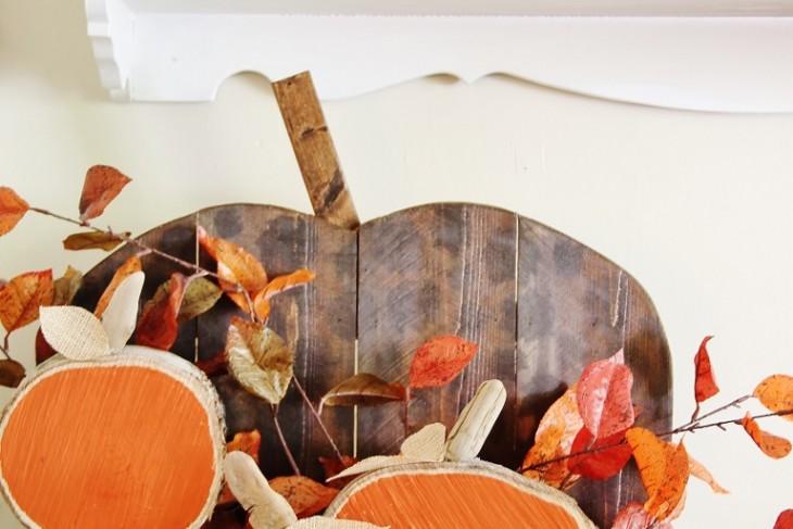 DIH Rustic Pumpkin Stand and Wood Slice Pumpkins
