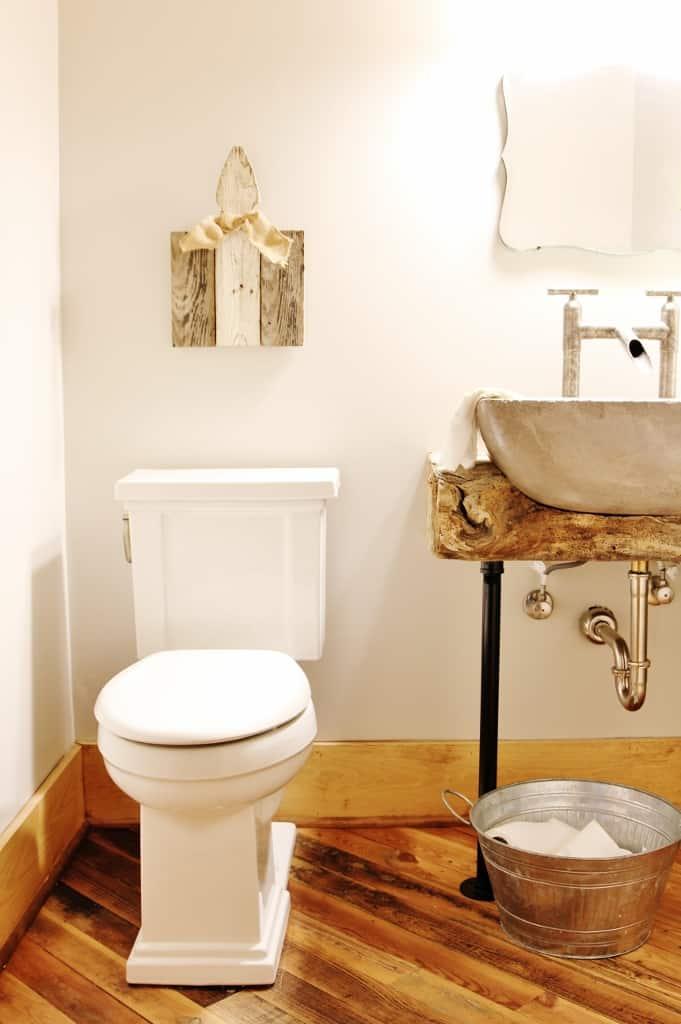 Lucy's House Bathroom