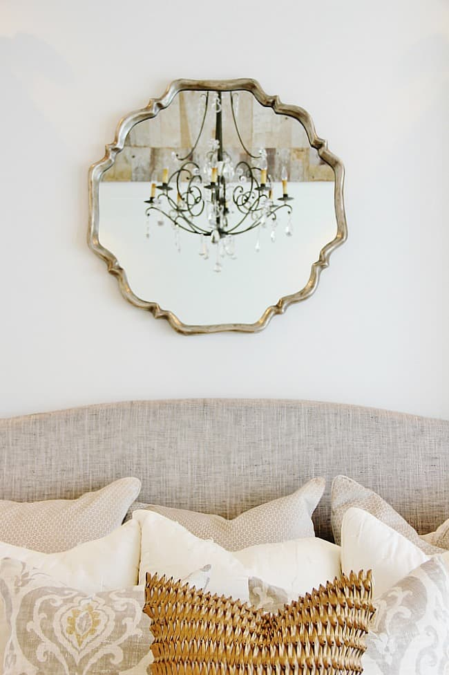 modern farmhouse chandelier with mirror