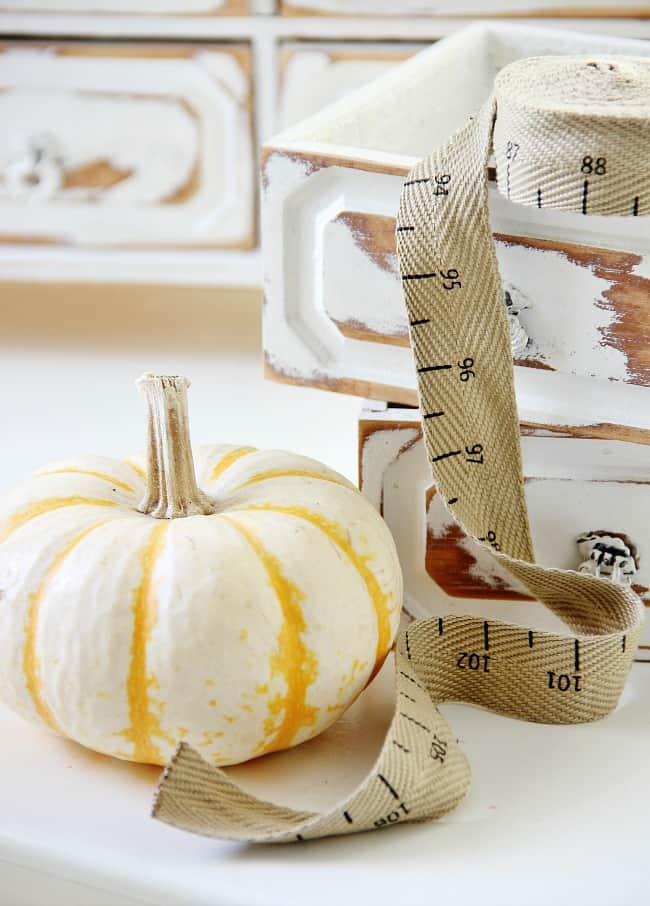 pumpkin decorating for fall