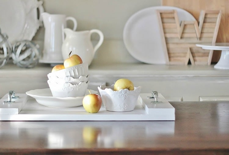 You can make your own breakfast tray with a few simple items