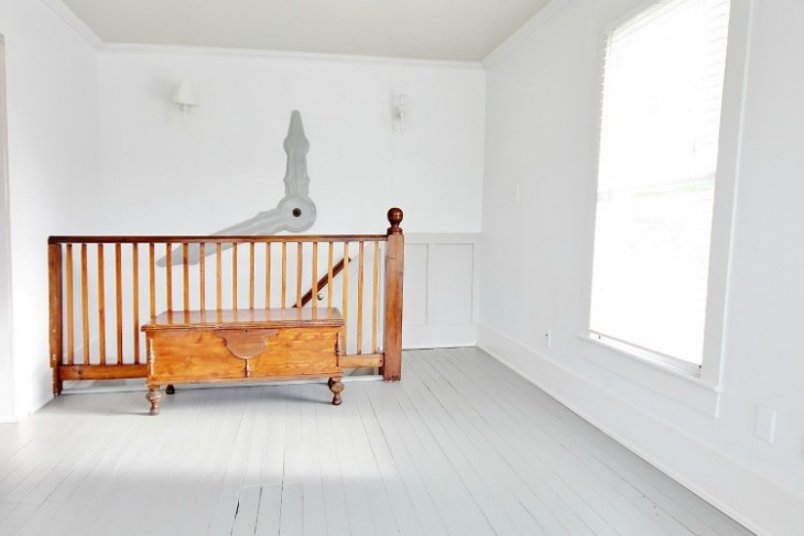How to Paint a Wood Floor With Diamonds