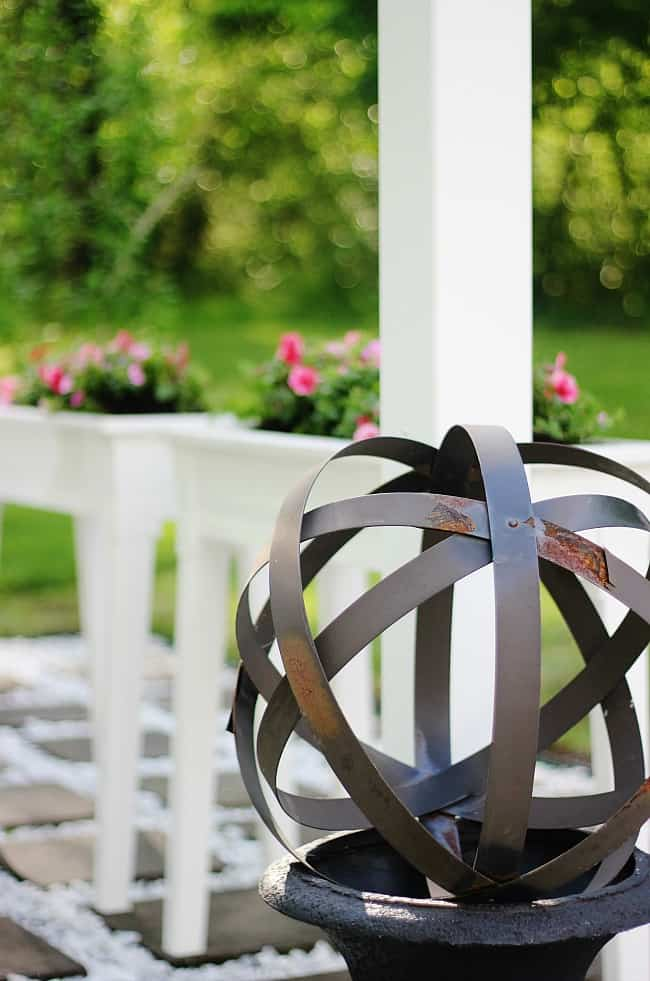black garden sphere