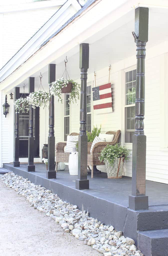 Front-Porch-Decorating-3538