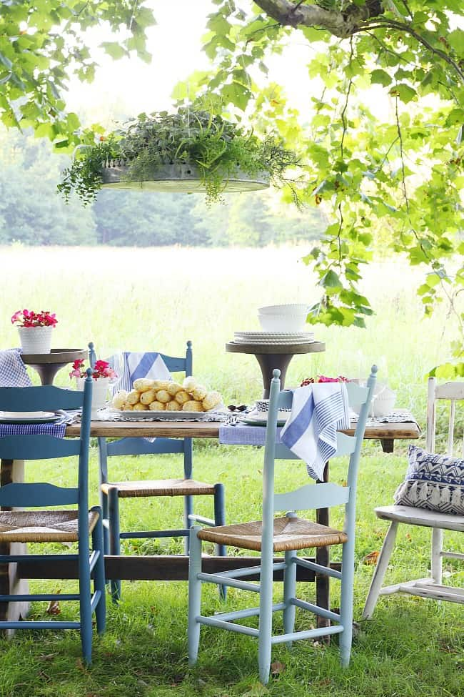 outdoor dining table place setting
