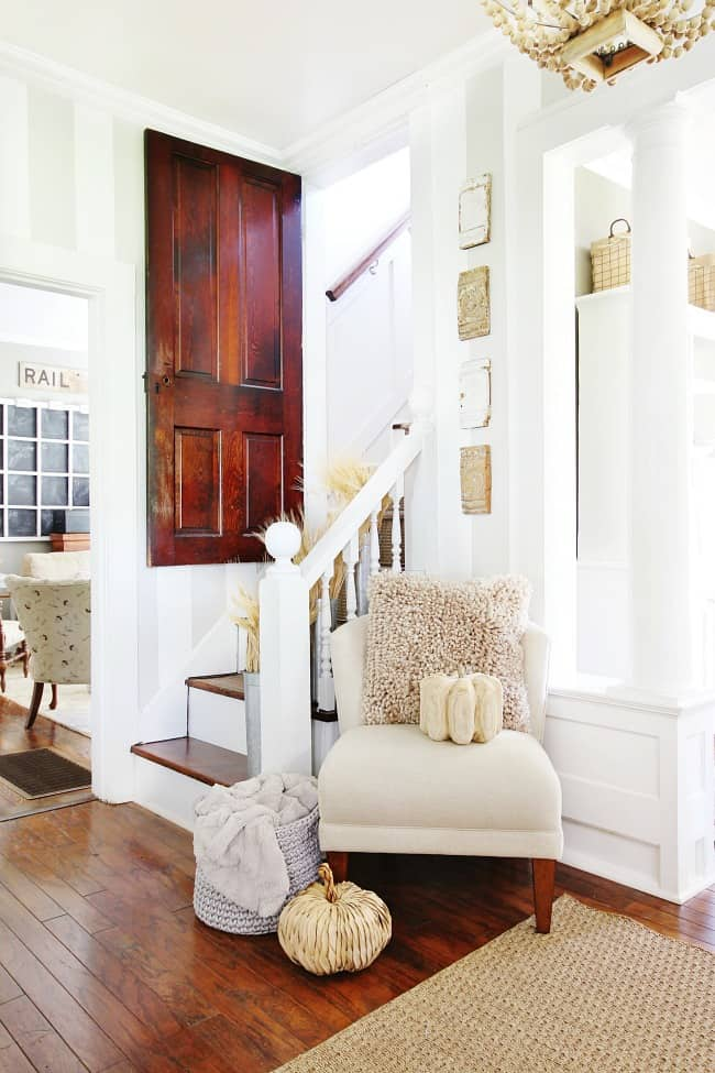 How to incorporate thrift store items into the entryway