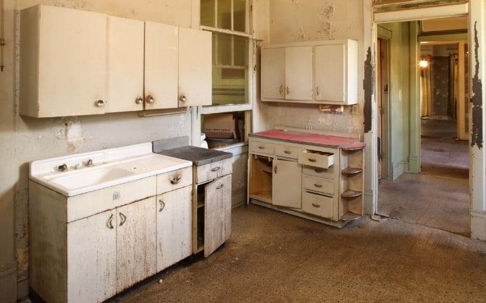 Southern Romance Kitchen Before