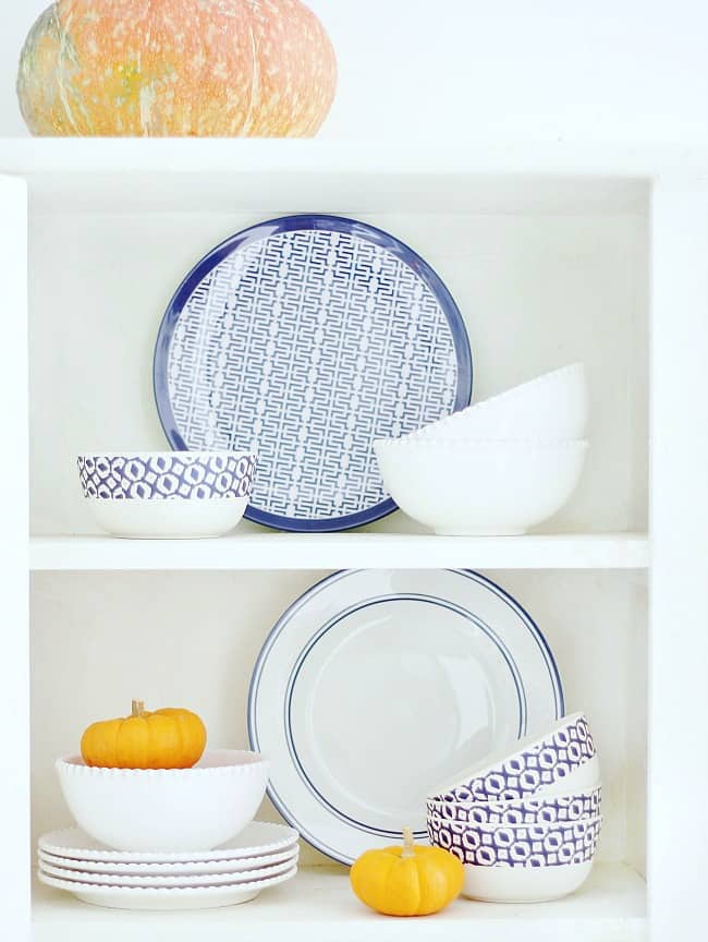 blue-and-white-fall-dishes