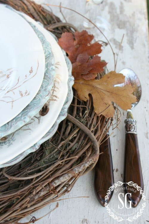 grapevine-wreaths-as-chargers-thanksgiving-stonegableblog-e1415036255366