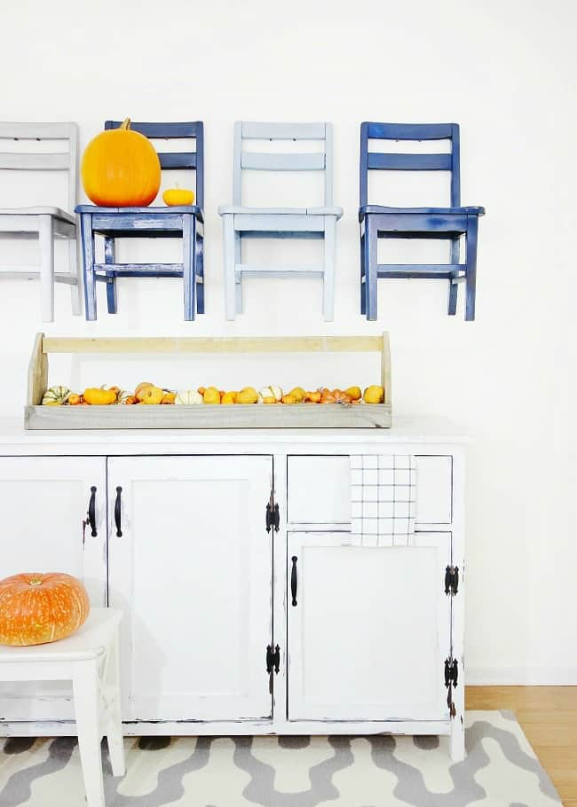 four-chairs-and-pumpkins