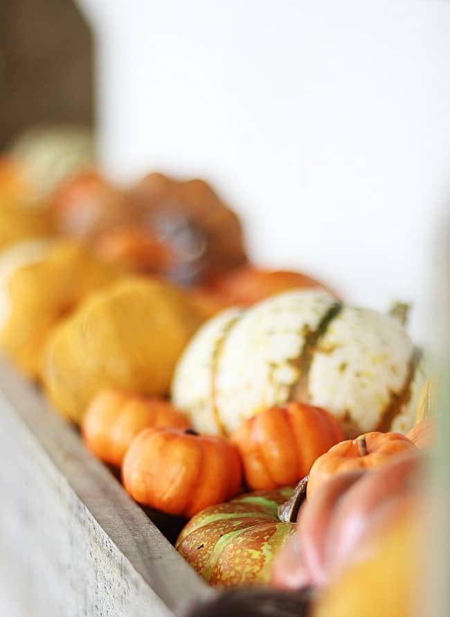 simple 10-minute fall decorating ideas orange pumpkins