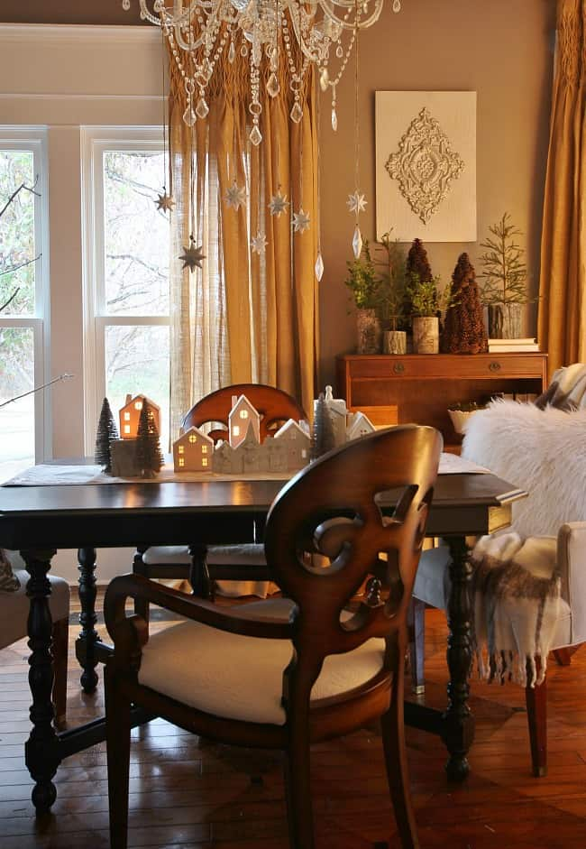 dining-room-christmas-table