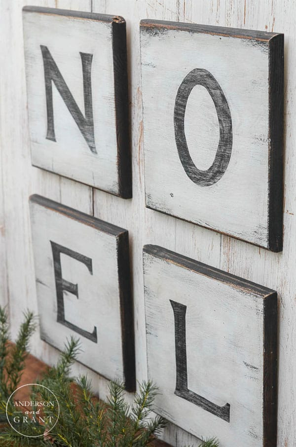 distressed-christmas-signs