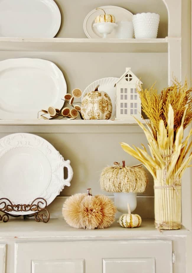 gray-and-white-fall-hutch