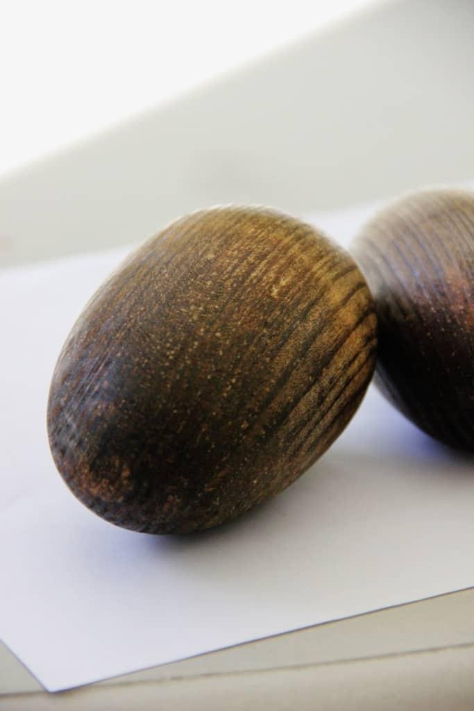 wood-pinecone