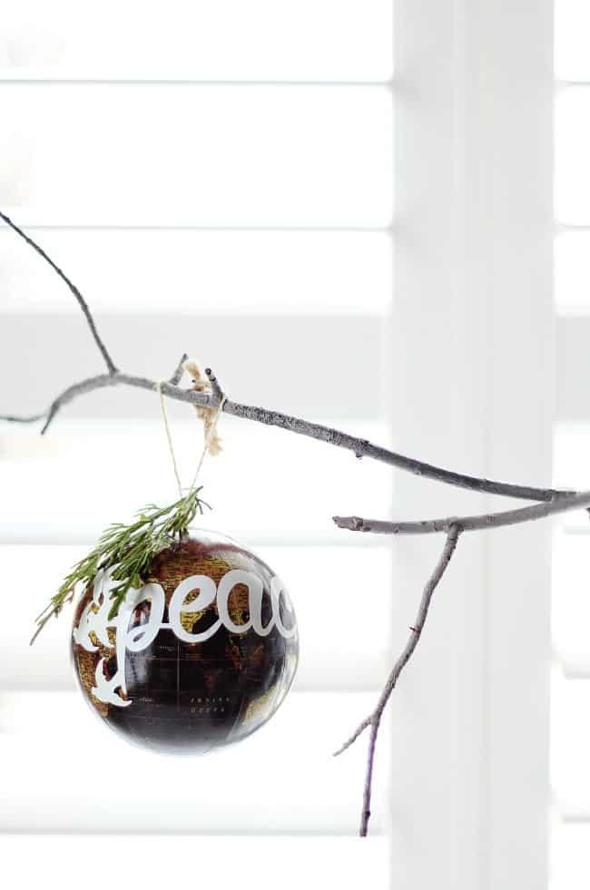 peace-ornament
