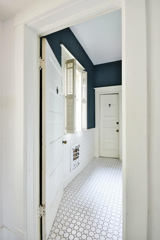 A look into the bathroom