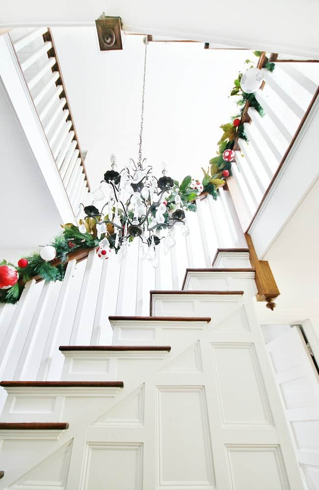 How To Decorate A Staircase For Christmas And A Giveaway