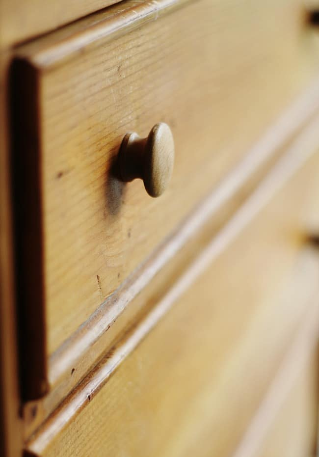 Here's a detail of the drawers and pulls