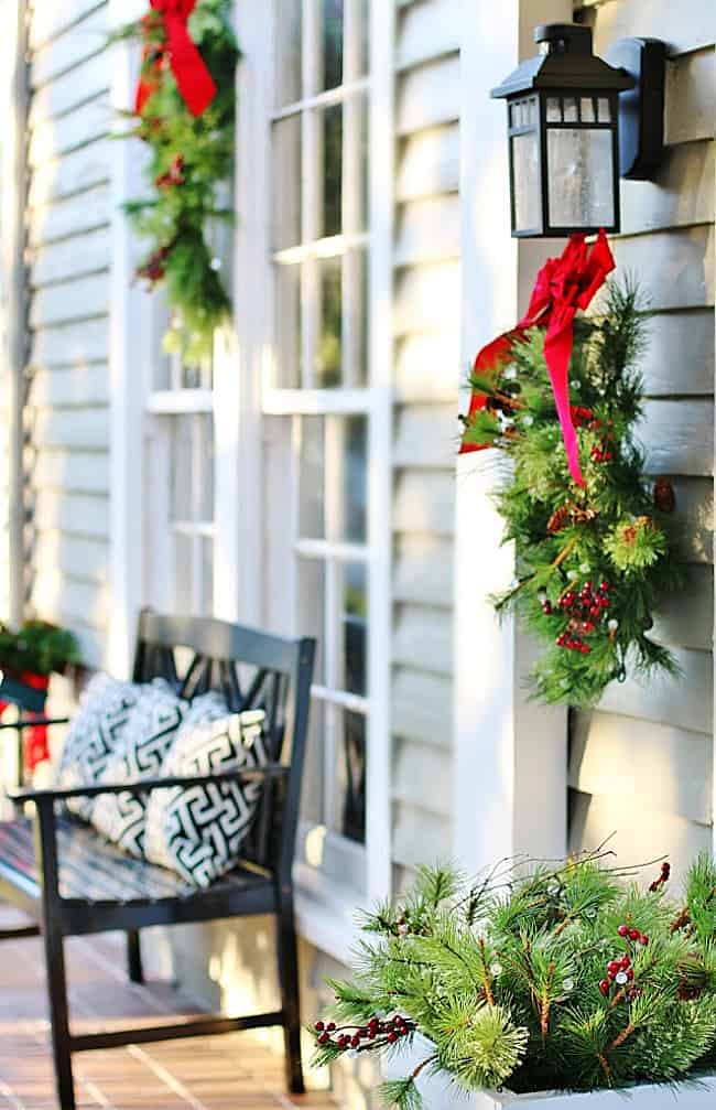 Outdoor Christmas Decoration Ideas.Outdoor Christmas Decorating Ideas And A Giveaway