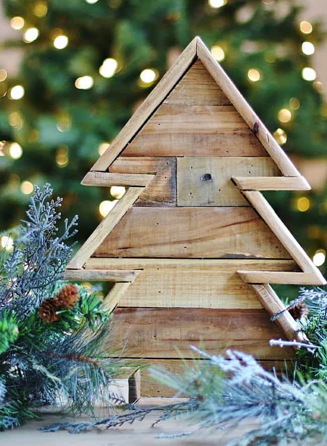Pallet Wood Christmas Tree.Diy Wooden Christmas Tree From Recycled Pallets