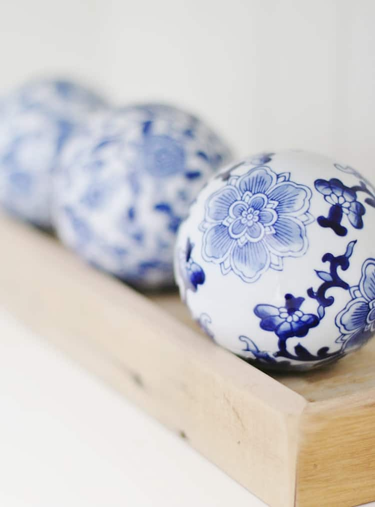 decorating ideas for spring blue and white