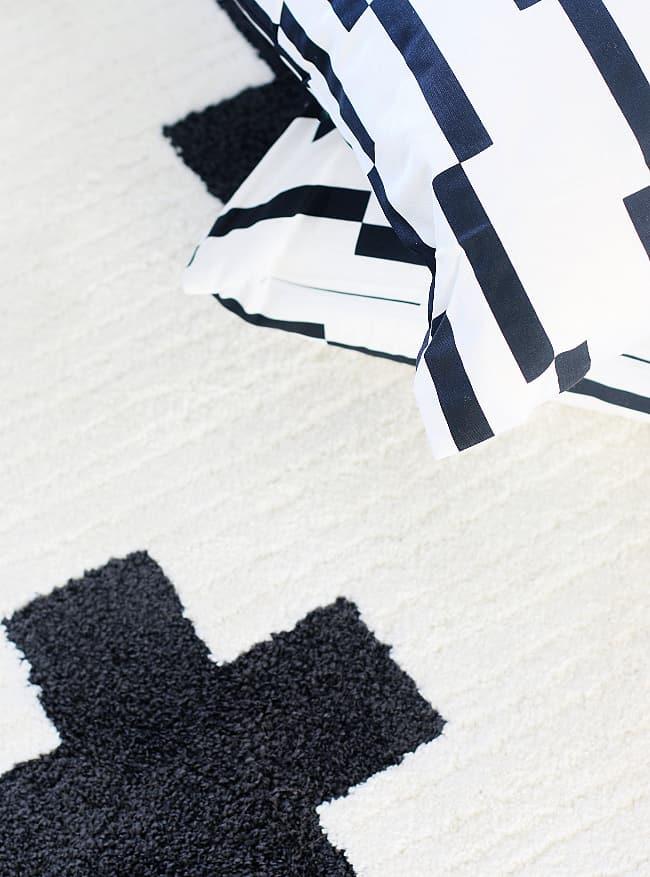 black and white decor ideas rug