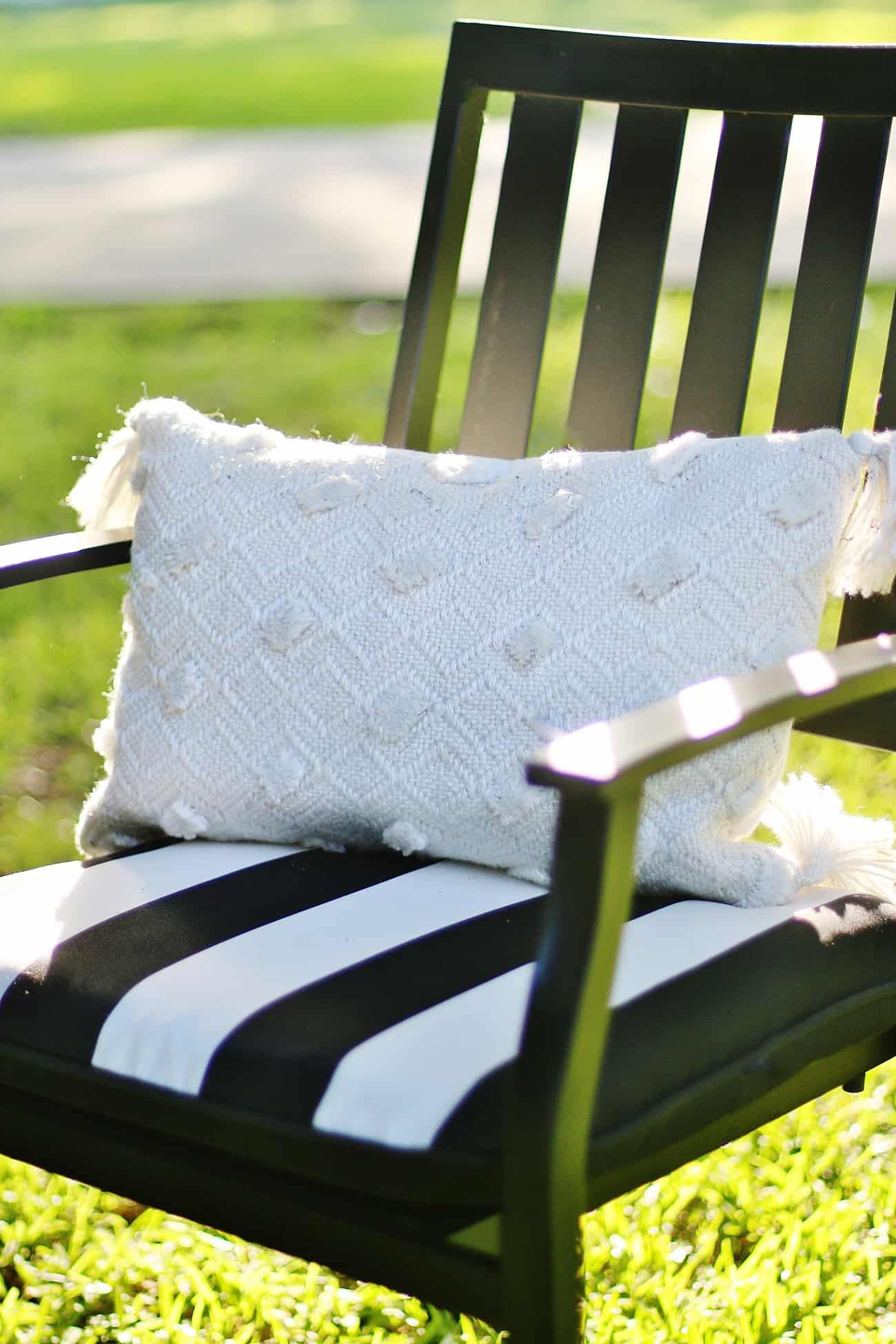 outdoor summer decorating ideas pillow
