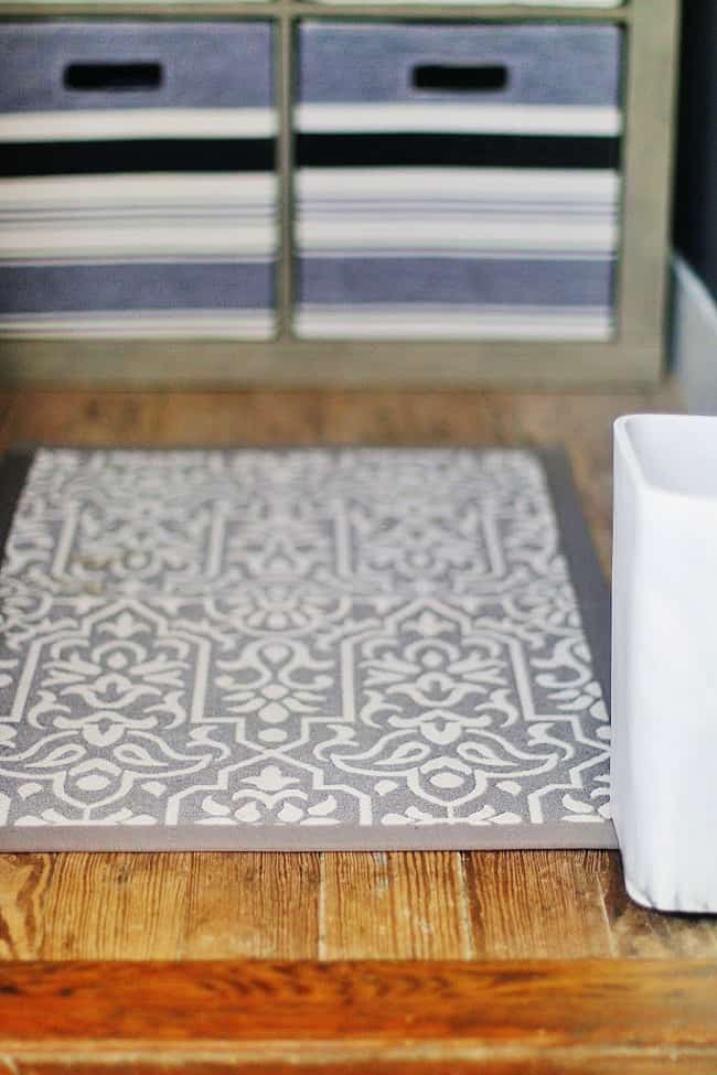 how to maximize space rug and storage