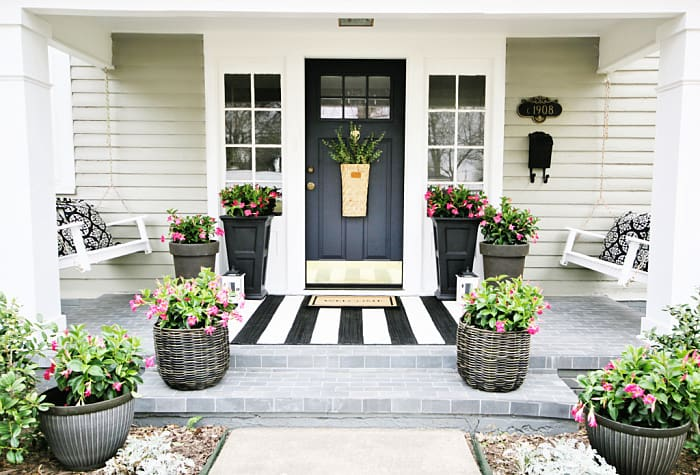Simple Ideas For Decorating Your Back Porch